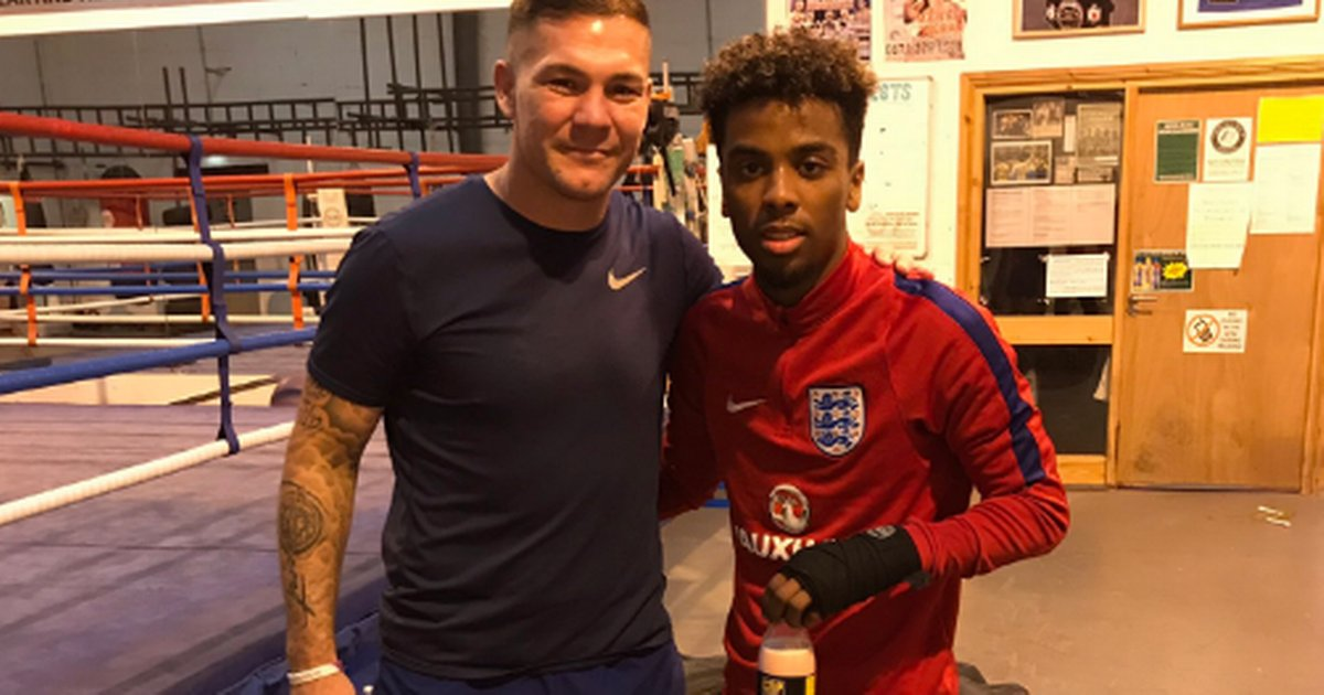Manchester United youngster Angel Gomes trains with retired boxer Jamie Moore