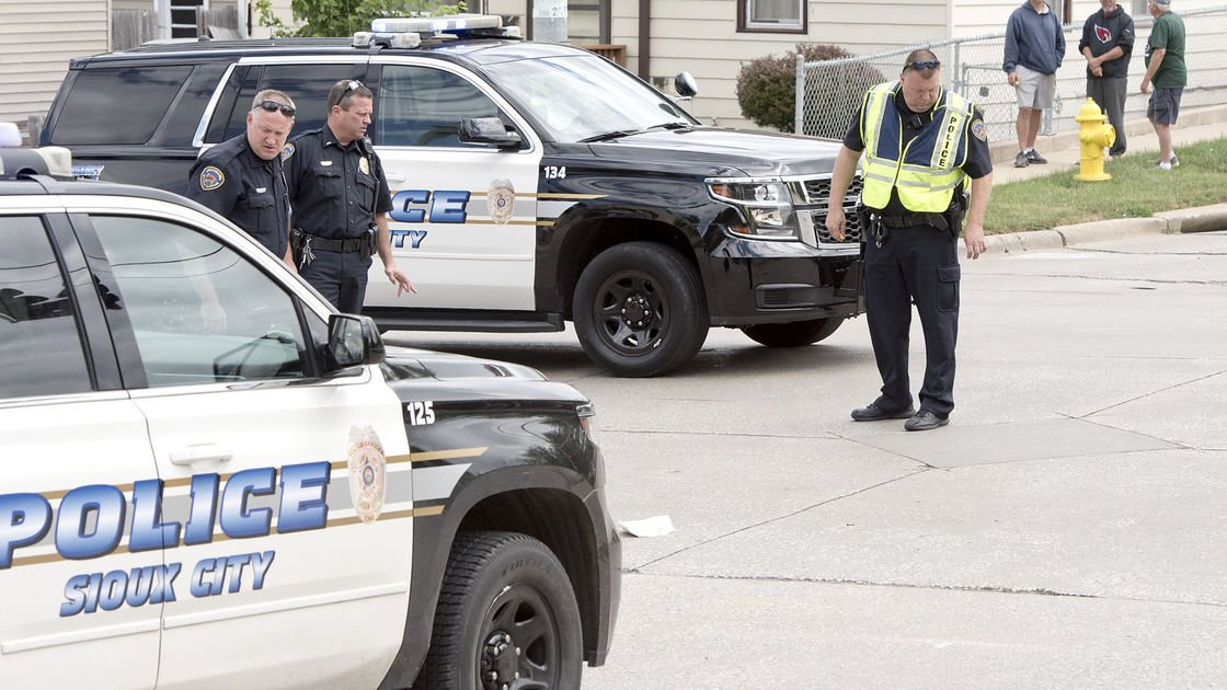 Motorcyclist, 41, dies in Sioux City crash with car