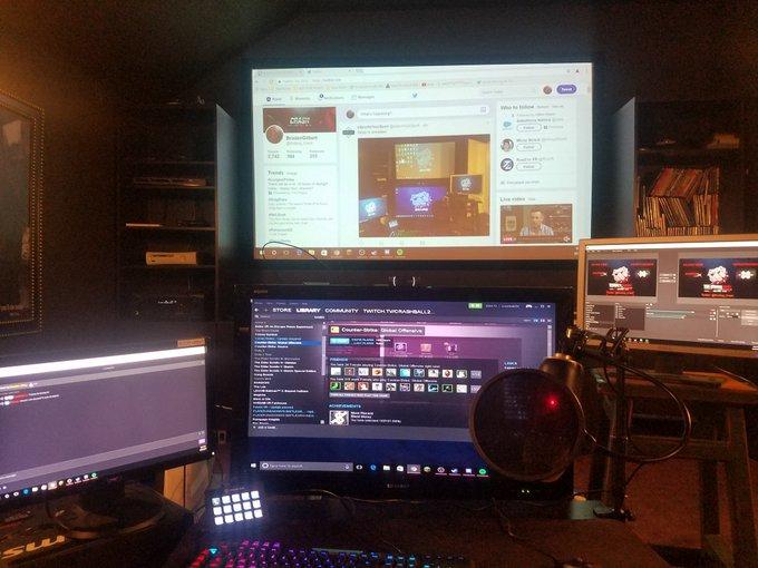Stream is LIVE https://t.co/o7SJTBjLTa Tune in for #csgo #caseopening #twitch #streamer #blueyeti #esports #college https://t.co/8VJ4ZyS1Pz