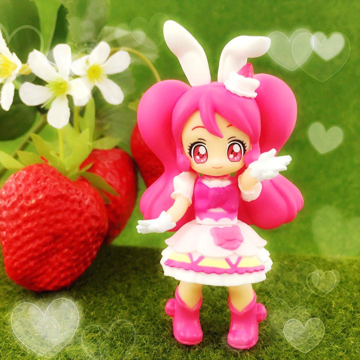 """大好評発売中プリキュアのデフォルメドール""""ぷりきゅ~と""""、昨日に続いて写真をご紹介♡お花やいちごなど小物と一緒にポーズを"""