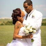 Do you know this couple? Charlotte woman finds wedding photos on flash drive