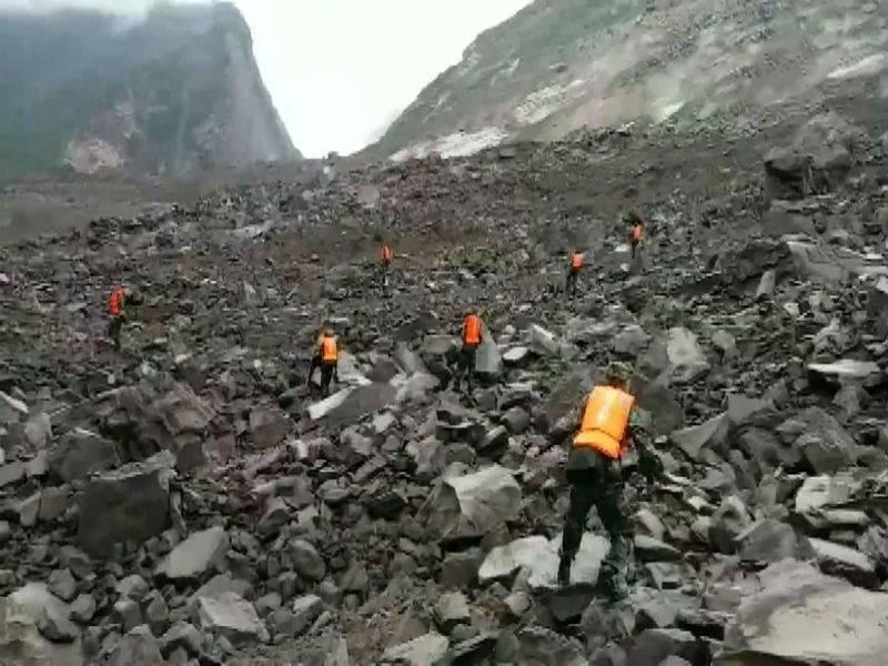 Over 140 people feared buried in China landslide via @TOIWorld