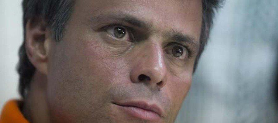 """► Leopoldo López, desde la cárcel militar de Ramo Verde """"Me están torturando, denuncien"""""""