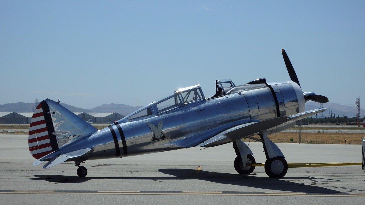 POFのP-47サンダーボルトが、メンテナンスのため今年のエアショーはお休みするらしい。代役は同じセバスキー系のP-35