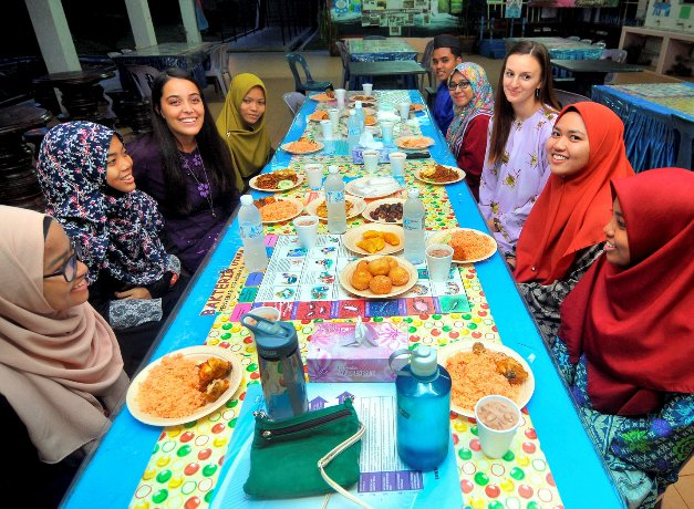 US teachers posted to Felda schools thrilled to observe Ramadan