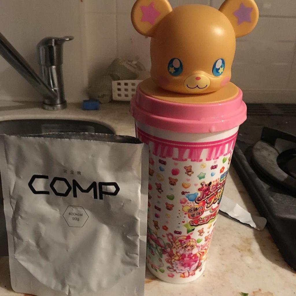 昨日会社でCOMP貰ったので飲んでるんだけど、プリキュアの映画館のあれが丁度よかった