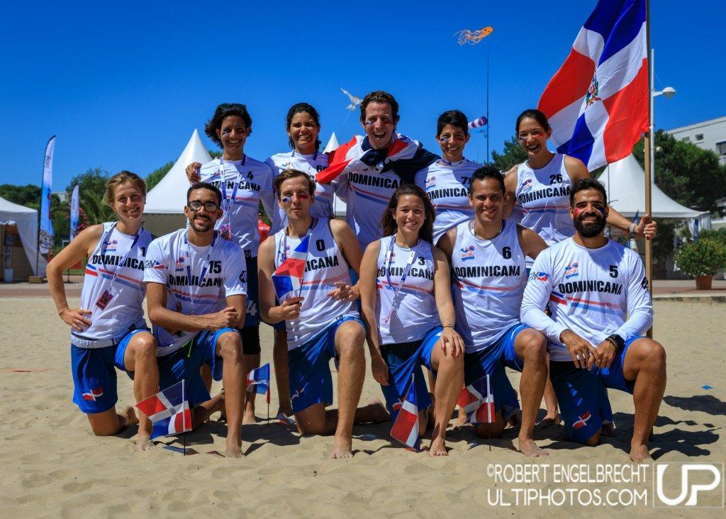 ¡Nuestra capitana con la Selección de República Dominicana! ?? #WCBU2017 #DOM #MIX https://t.co/rXsrNVx0je <a href='https://twitter.com/discachos/status/878633252608778240/photo/1' target='_blank'>See original »</a>