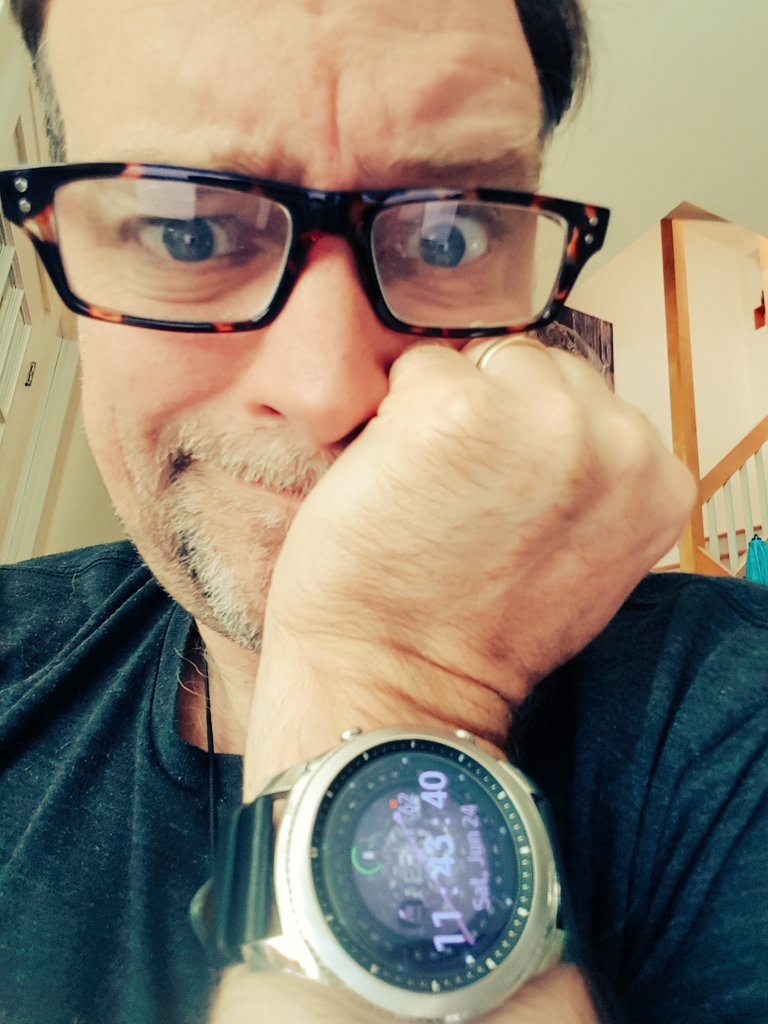 test Twitter Media - Dear @Samsung, I want to let my fellow nerds have at this, my debut, #STARGATE Gear watchface. Is there an easy way to do that? https://t.co/eZLTYkkCYS