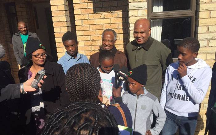 Marikana trust fund gives 34 houses to victims' families https://t.co/K7x8XTnZiA https://t.co/wpOAcBIMMJ