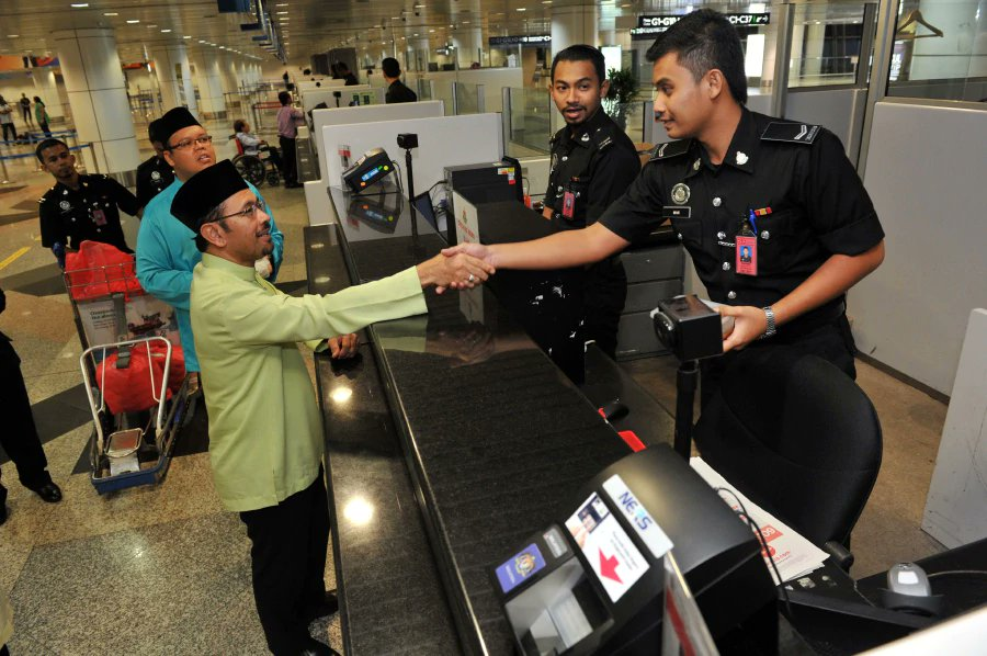 Immigration Dept prepares to overcome congestion at checkpoints