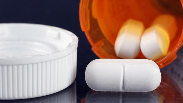 Oklahoma doctor charged with murder for prescribing opioids that killed her patients