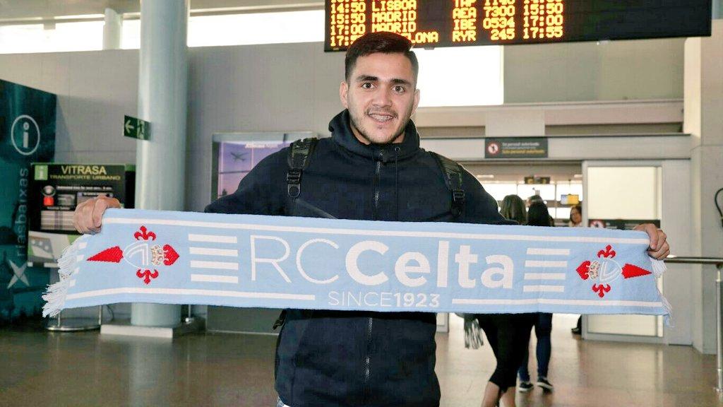 👋 Maxi Gómez aterrizou esta mañá en Vigo! Benvido! #BenvidoMaxi https://t.co/bBKkNkdmAT