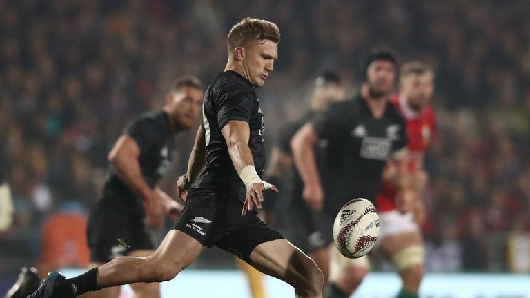 test Twitter Media - All Blacks call up Damian McKenzie as cover for Ben Smith: https://t.co/kDp2SvFR4d https://t.co/j4yjeRcmgn