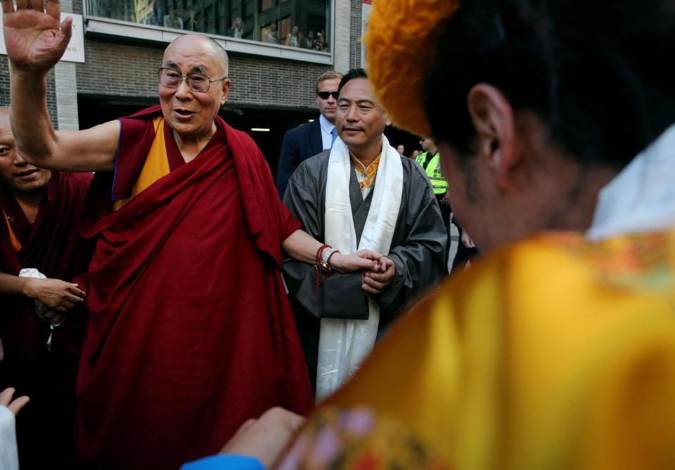 Photos: Crowd greets Dalai Lama in Boston