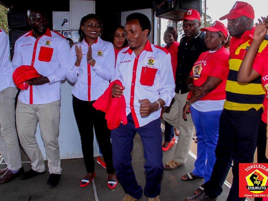 Keep off alcohol on election eve, Vijana na Uhuru tell Murang'a youth