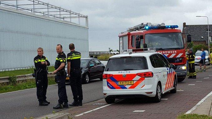 s-Gravenzande Binnenbrand woning melding aan de Poelkade was loos alarm. https://t.co/RDOFo9OAvX