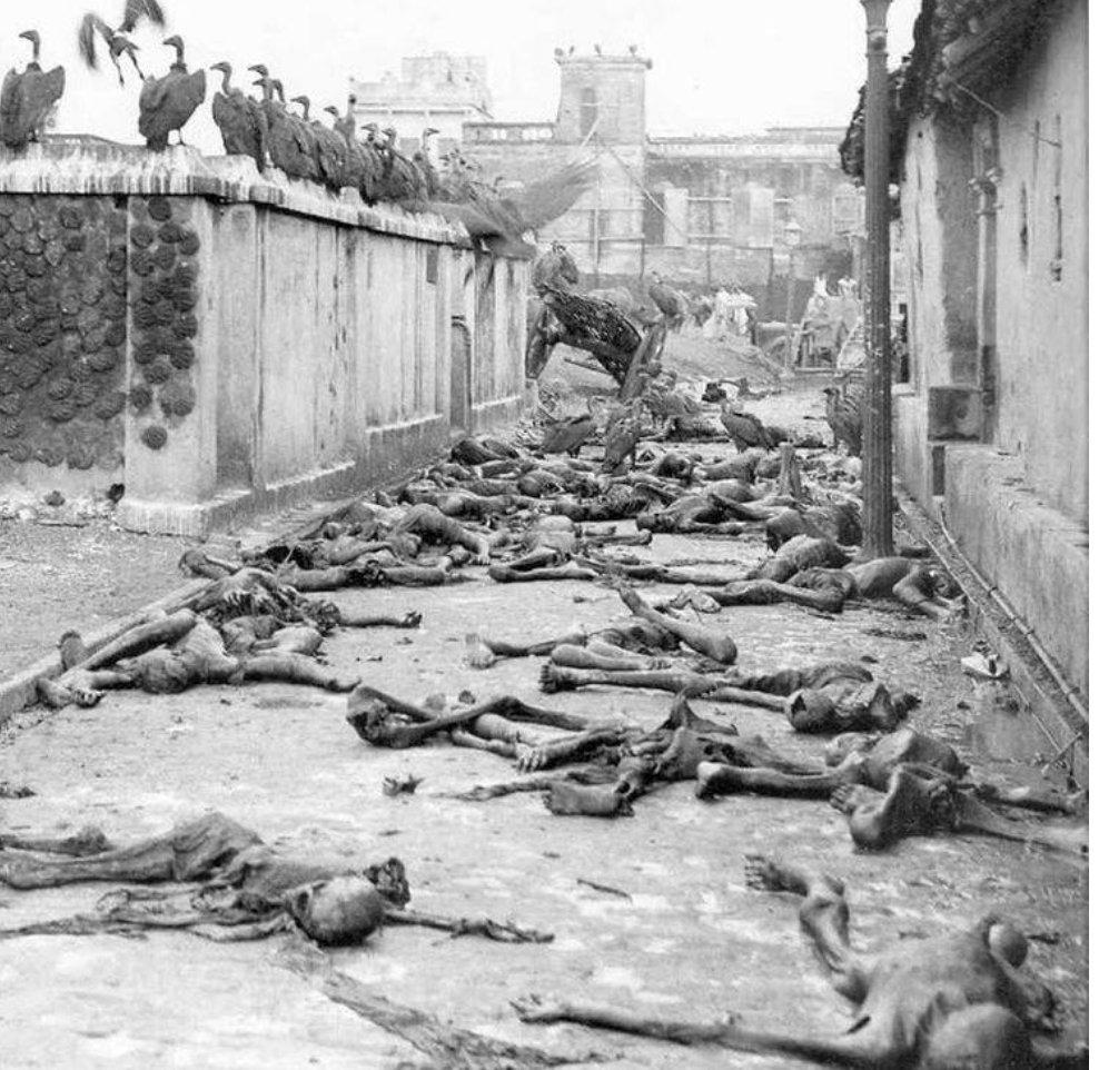 Фото 18+. Голод устроенный Англией в Бенгалии в 1943 унес 3 млн жизней - Запад молчит.А вот русские должны каяться за выдуманный голодомор https://t.co/AzRlLQ1AxT