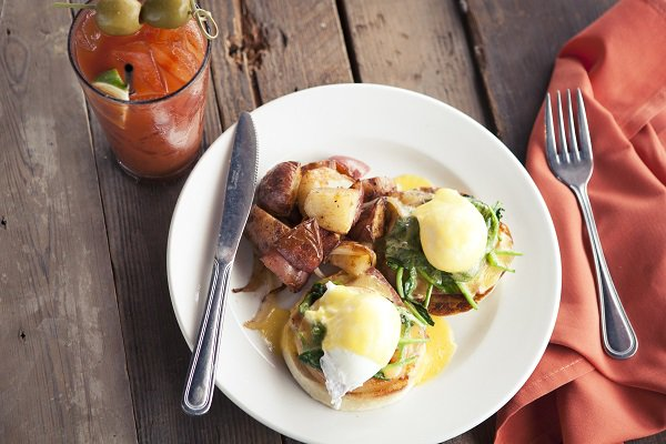 Start your week off right with #AleHouse #brunch from 11-2.