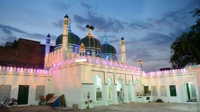 Eid-ul-Fitr to be celebrated tomorrow, confirms Shahi Imam of Delhi's Jama Masjid
