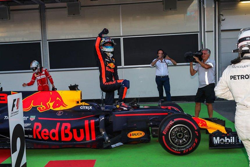 Азербайджанская рулетка: дайджест фееричной гонки Формулы-1 в Баку
