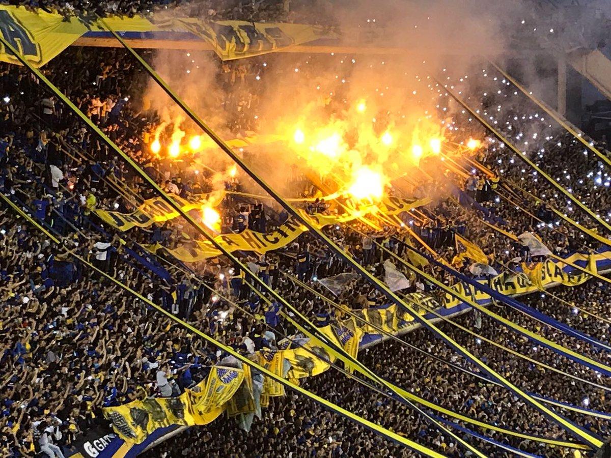 RT @FutbolModerno_: Los cielos de la bombonera sé iluminaron. Fiesta total por el campeonato de @BocaJrsOficial. https://t.co/7rlVhRu8vS