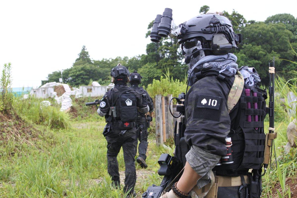 黒マルチの武装した小隊に護衛されてるなう。 につかっていいよPhoto by  #FICTIONWARRIOR #PHA