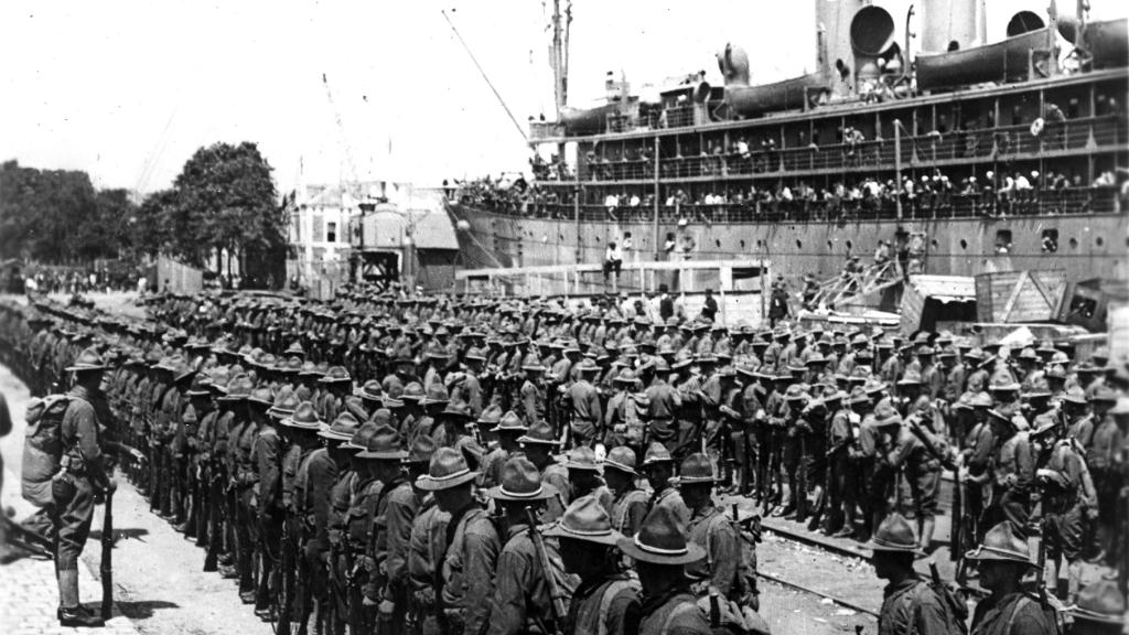 On #ThisDayinHistory 1917, the First U.S. troops arrive in France. #WorldWarI https://t.co/TX1eyDLgar https://t.co/O8IJwvOaTB