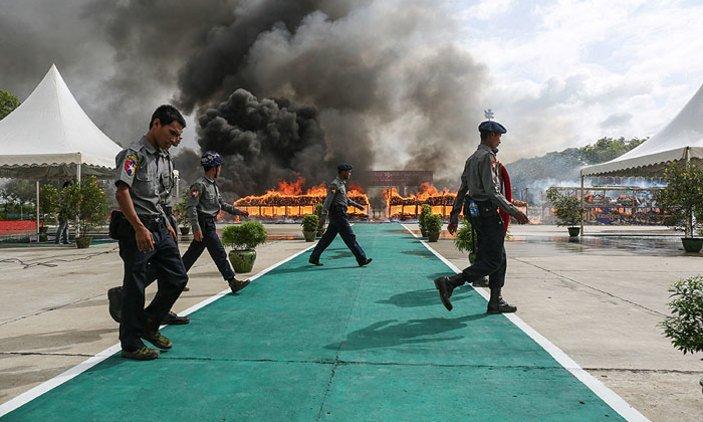 Myanmar, Thailand torch $1 billion of seized drugs