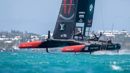America's Cup: Team New Zealand beat Oracle to reclaim Auld Mug in Bermuda
