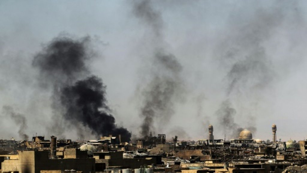 Iraq forces comb west Mosul after IS counter-attacks