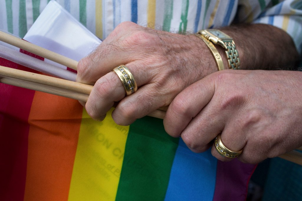 Supreme Court sides with same-sex couples in Arkansas suit
