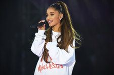 Artist>Ariana Grande\s Famous Friends Wish Her a Happy Birthday >>