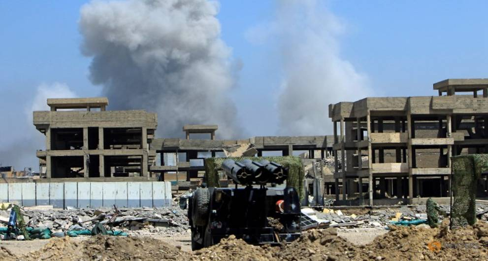 Iraqi forces set sight on Old City riverside, PM sees Mosul victory soon
