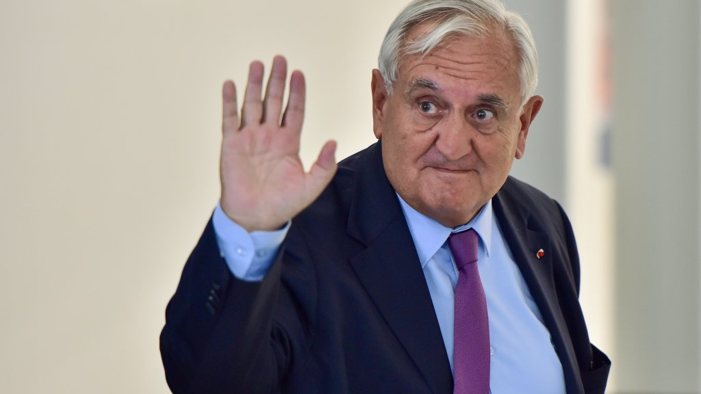 Gaffe-prone former French prime minister Raffarin retires from politics