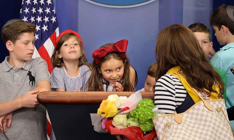 .@realDonaldTrump granddaughter Arabella took over the @WhiteHouse  press room: