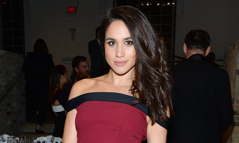.@meghanmarkle has touched down in London to visit boyfriend PrinceHarry :
