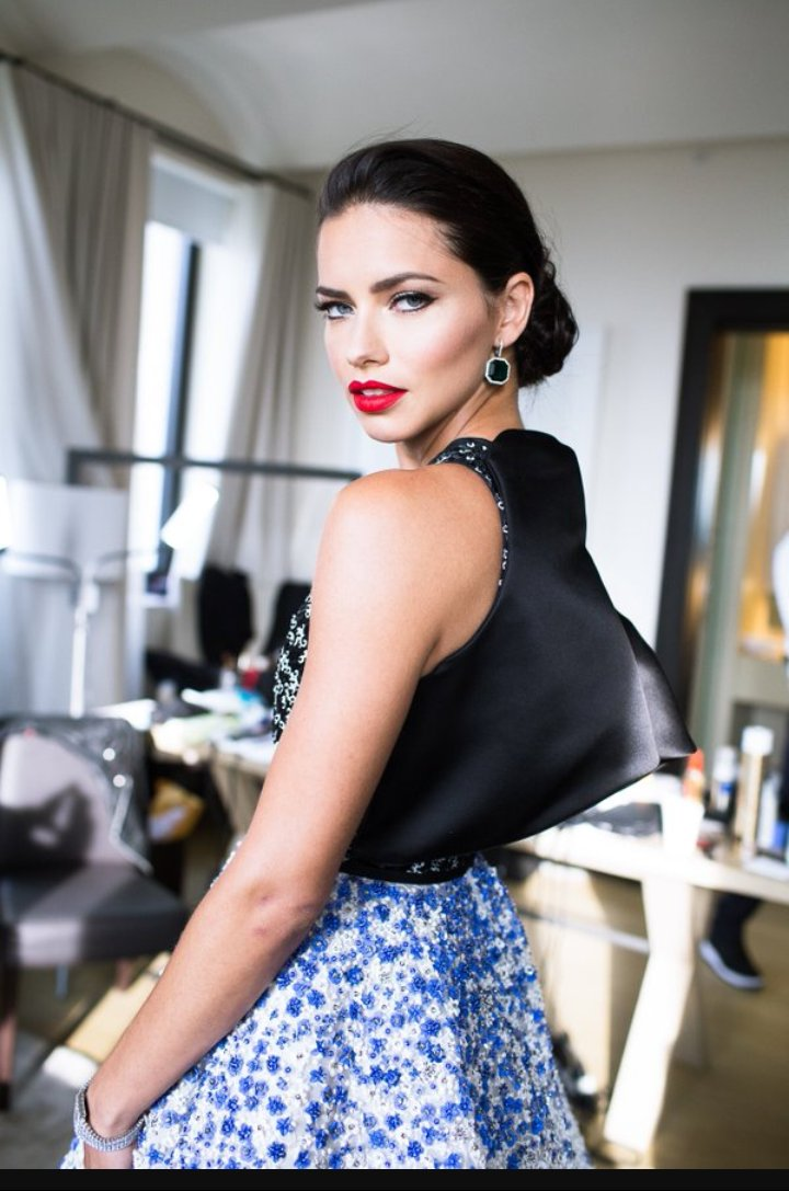What a beauty! @AdrianaLima #victoriasecret #show #fashion #follo4folloback #model #lo ...