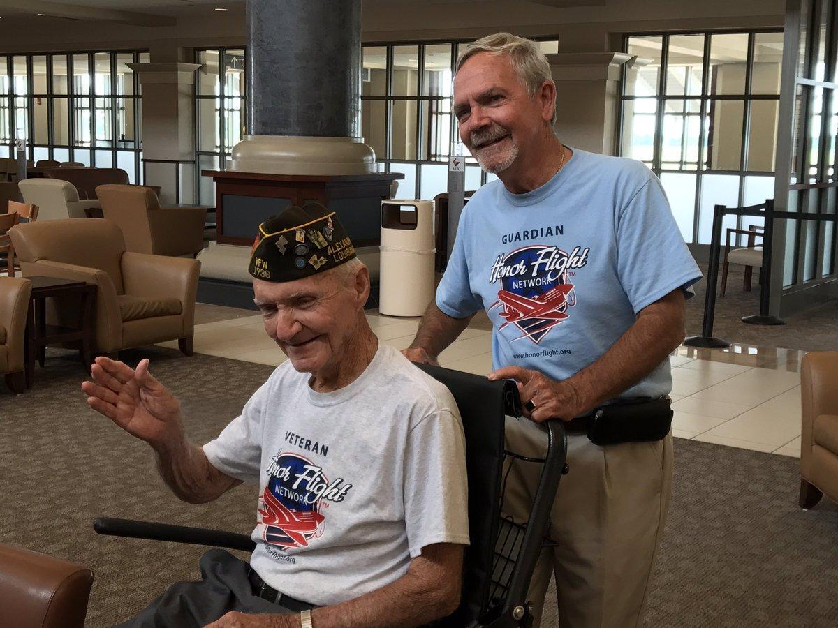 World War II veteran returns from Honor Flight trip to D.C