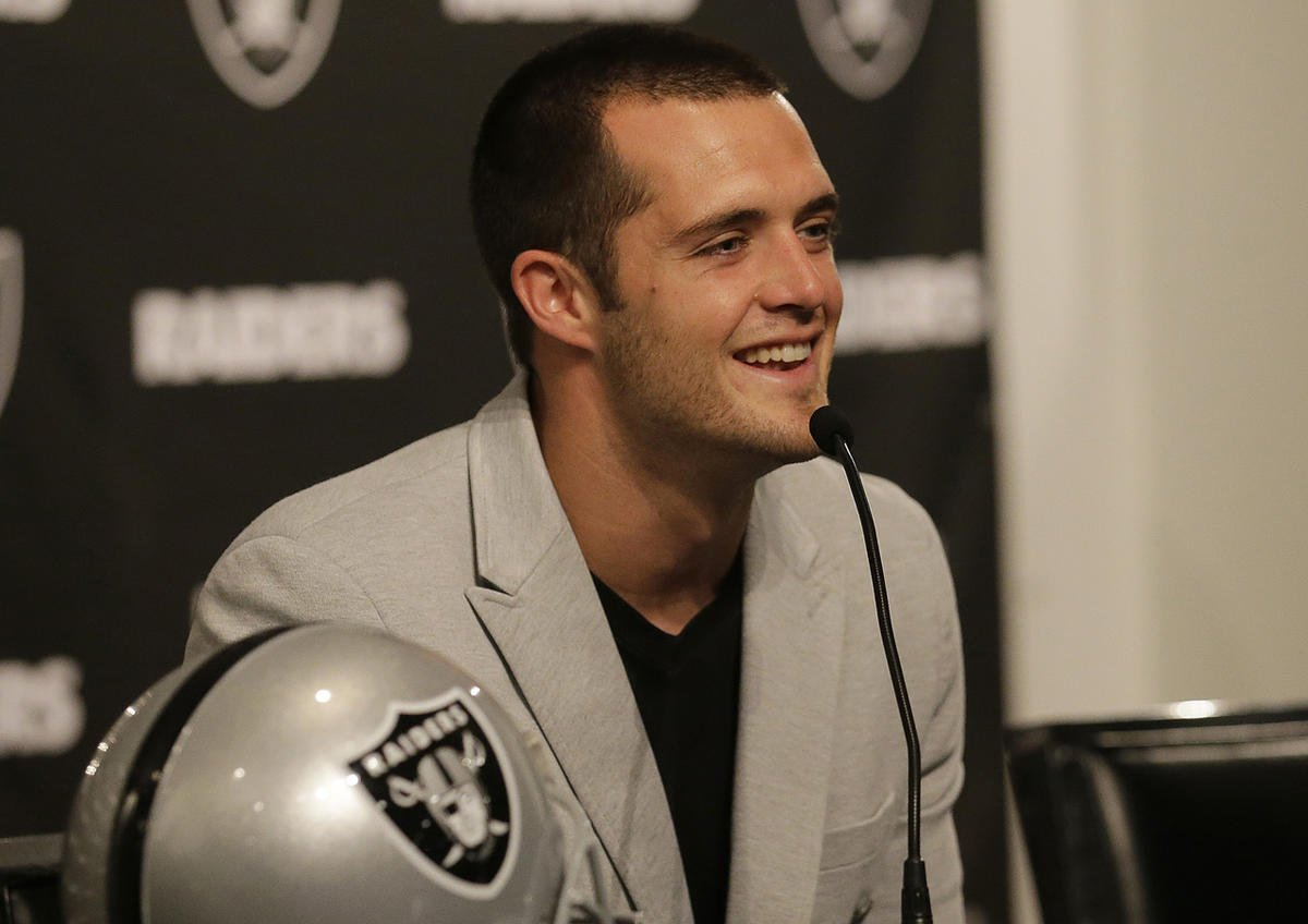 'This money is going to help a lot of people': NFL quarterback Derek Carr donates, plans to pay tithing on $125 million contract
