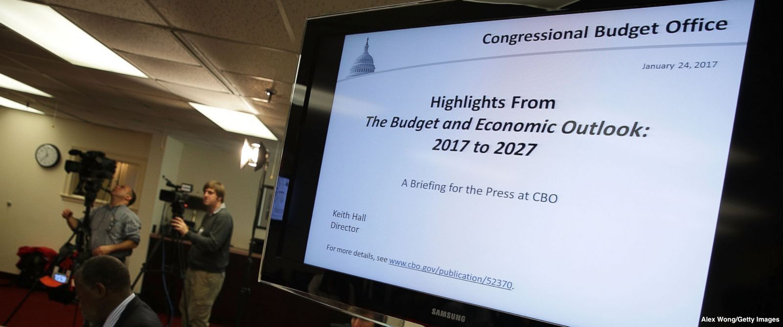 What the Congressional Budget Office does and how it gets its numbers https://t.co/jksvem41EV https://t.co/1NWGhjOovx
