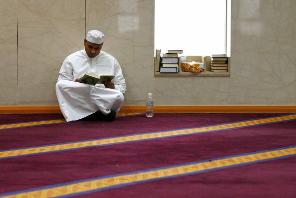 """No religion"" is the new religion in Australia, despite growing Muslim community"