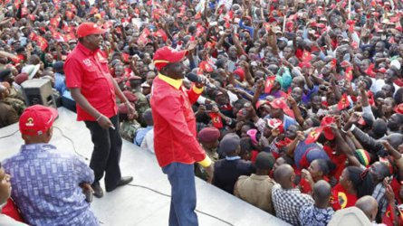 President Uhuru charms Tharaka Nithi voters with 7,137 title deeds
