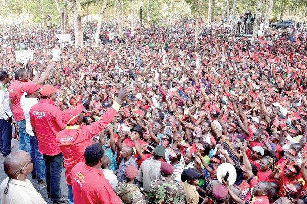 Uhuru takes JP manifesto to Tharaka