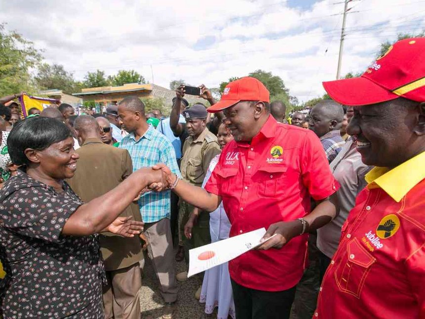 Uhuru gives out 7,137 title deeds