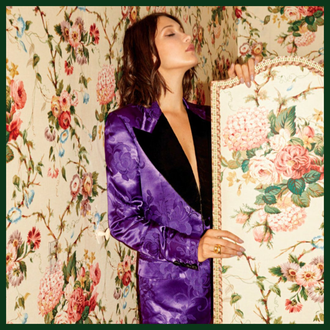 .@bellahadid in a #BallyAW17 floral jacquard blazer in the new issue of @instyle magazine 💜 https://t.co/u8l5XsZPj7