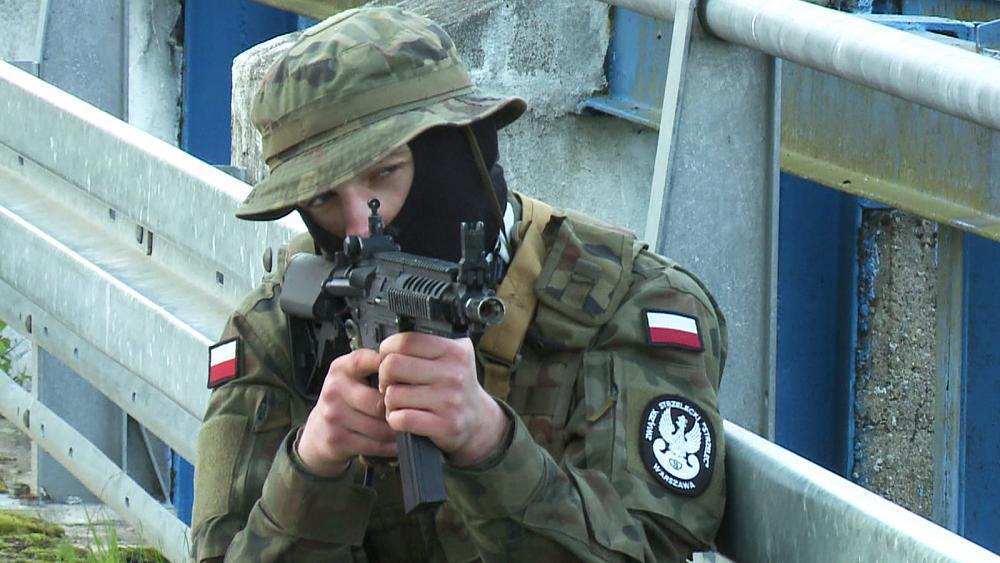 Estonia urges EU to do more defence