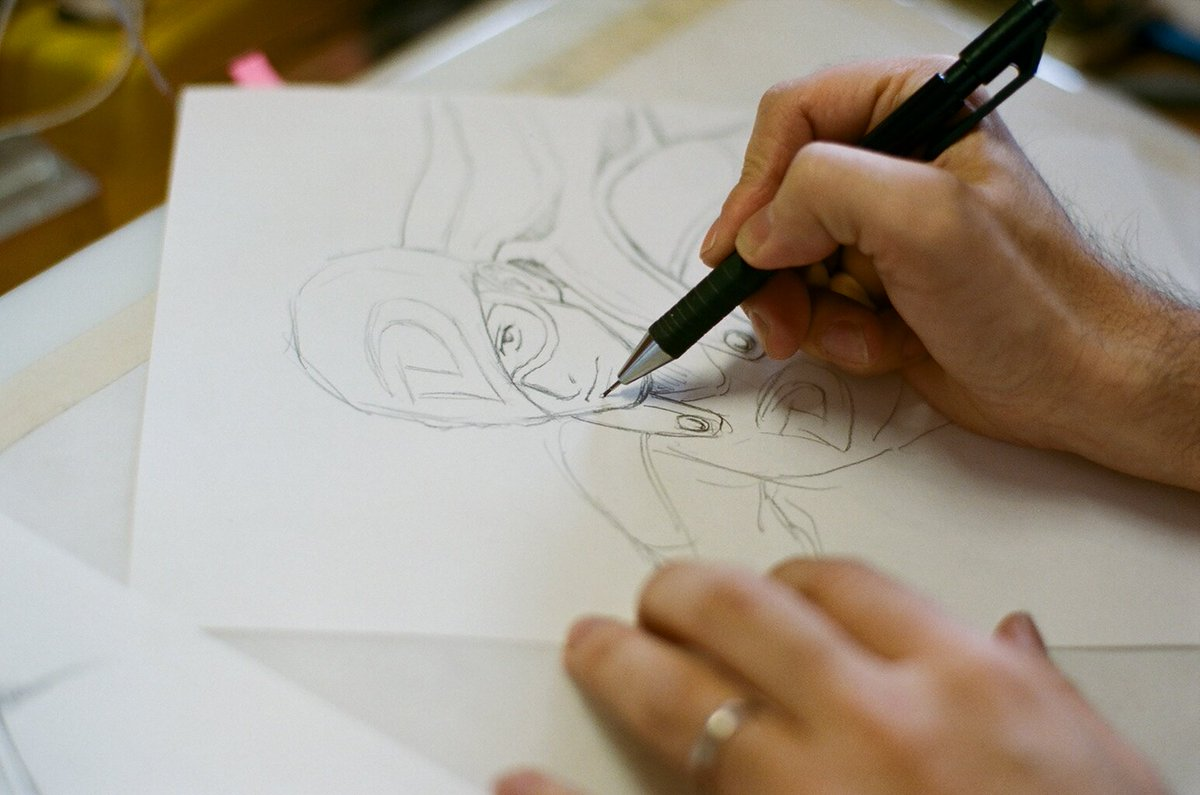 宇宙兄弟の作者、小山宙哉がチェーンスモーカーズ&コールドプレイのMVのためにデザインしたオリジナルヒーロー。女性