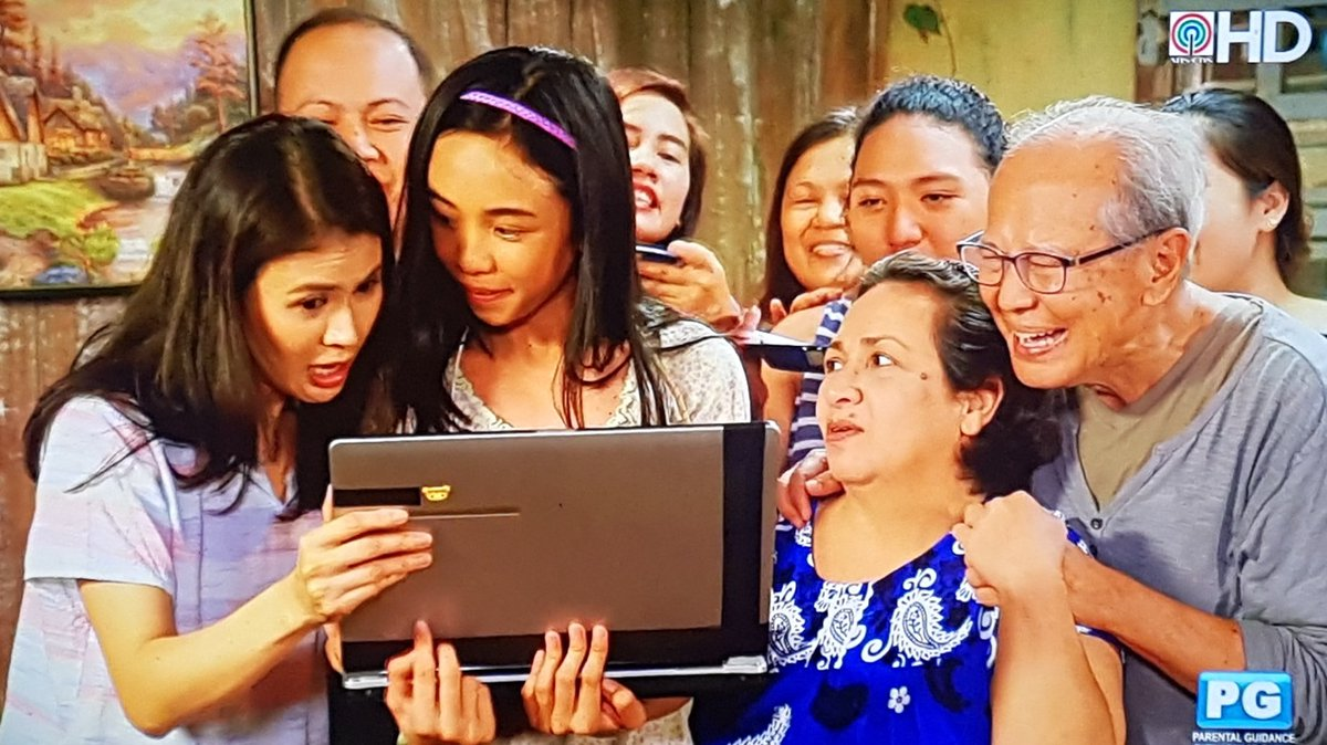 RT @MayWardArticle: What a happy family! Spread love and happiness.  #LaLunaSangreKabilugan https://t.co/65lf0VQpmd