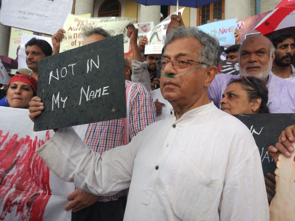 RT @abhic4ever: Okay. This picture just broke my heart into thousand pieces :( #NotInMyName #GirishKarnad https://t.co/RGhdt0n4xh