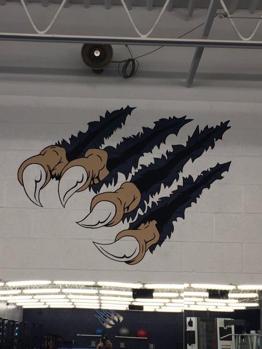 test Twitter Media - New weight room hand painted mural by Senior Iris Menegay: https://t.co/cmH45Vne2I